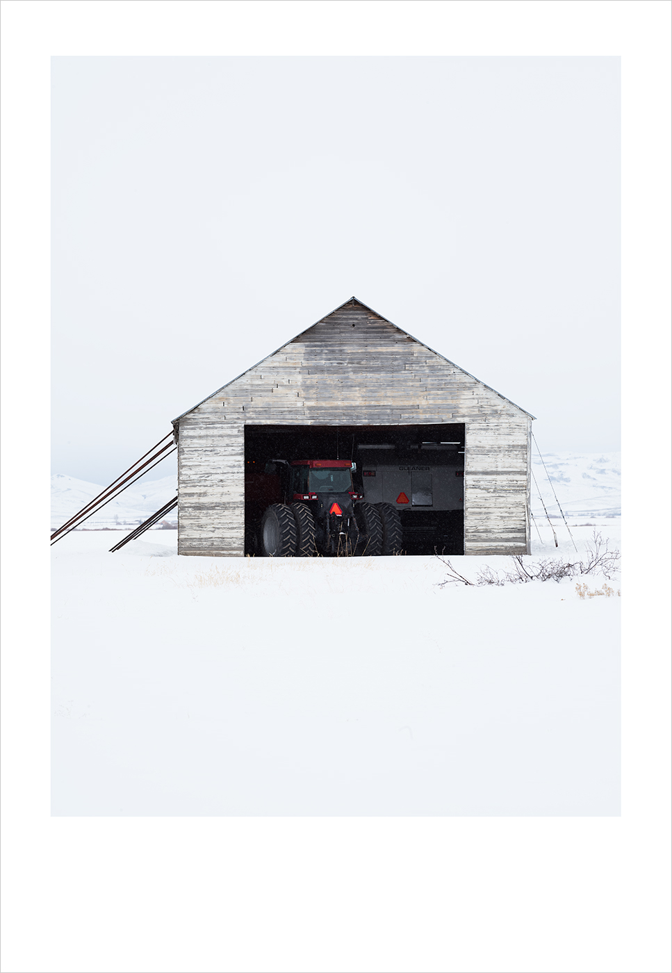 a_Polariod_White_Barn_I
