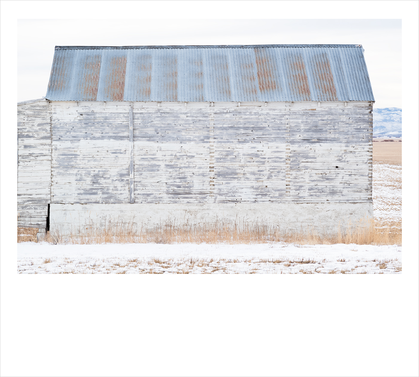 d_Polariod_White_Barn_II
