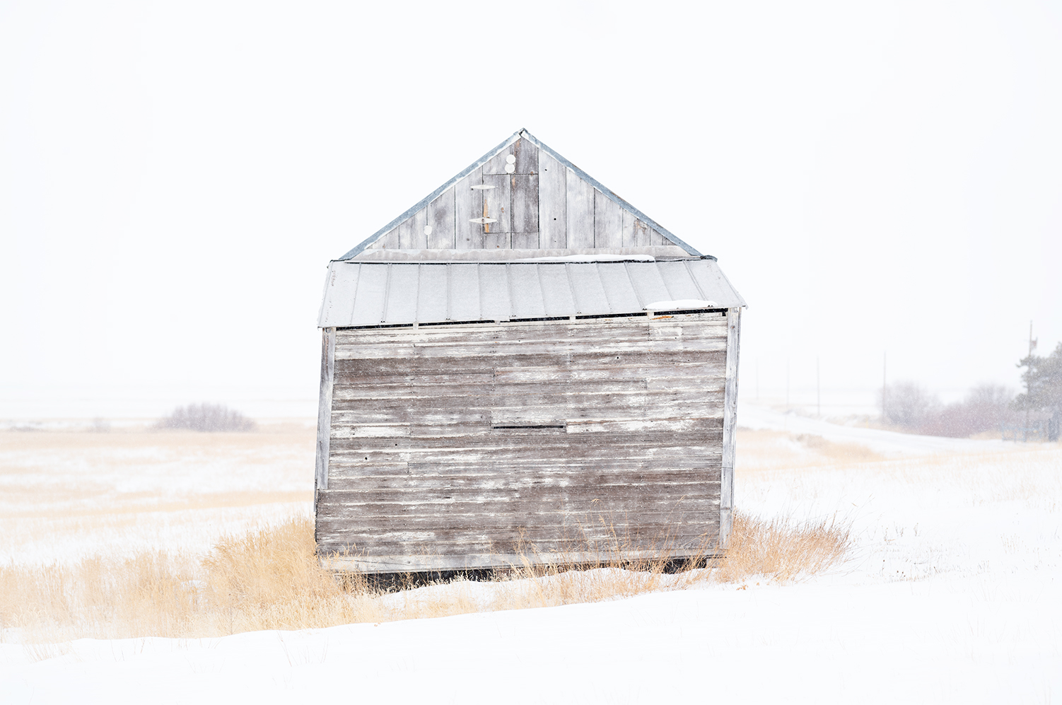 web_FINAL_Flattened_L1003725_Small_White_barn_I-copy_new